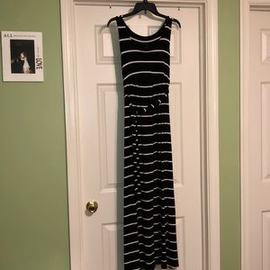 a:glow Maternity Striped Maxi Dress